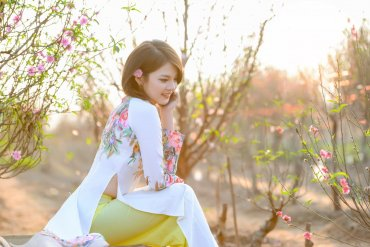 "VIETNAMESE LONG DRESS OR ""AO DAI"" – THE NATIONAL COSTUME OF VIETNAMESE WOMEN"