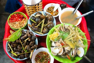 REAL SAIGON STREET FOOD
